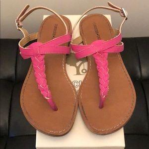 Tucker + Tate fuchsia faux leather sandal